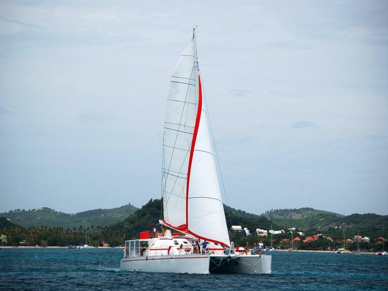 Dream 82 Catamaran exterior