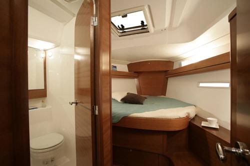 Dufour 405 Interior