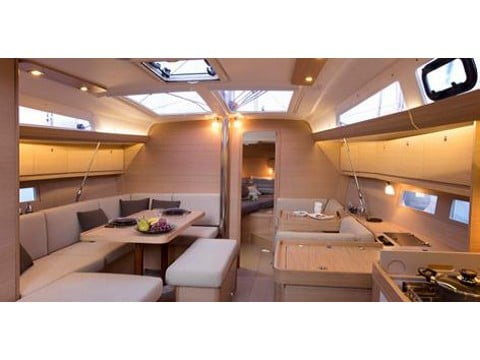 Dufour 410 interior