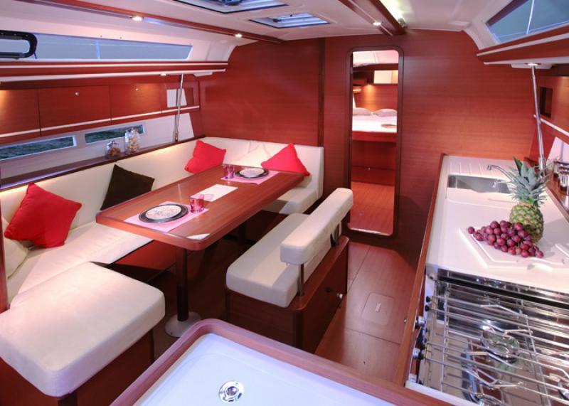 Dufour 450 interior