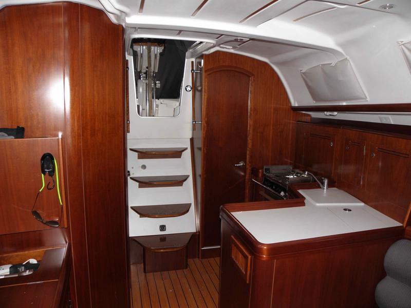 oceanis 343 interior