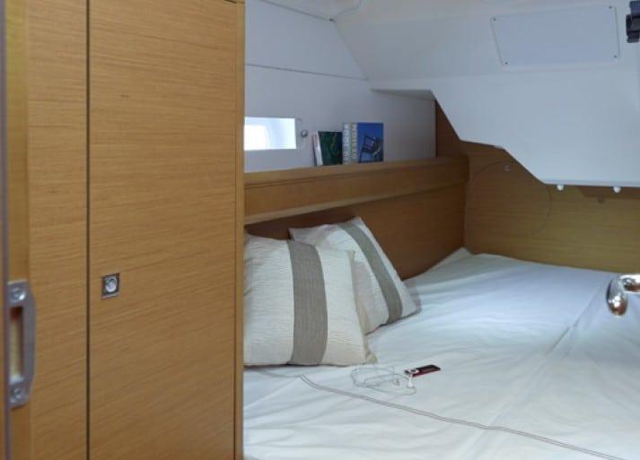 Sun odyssey 379 cabin