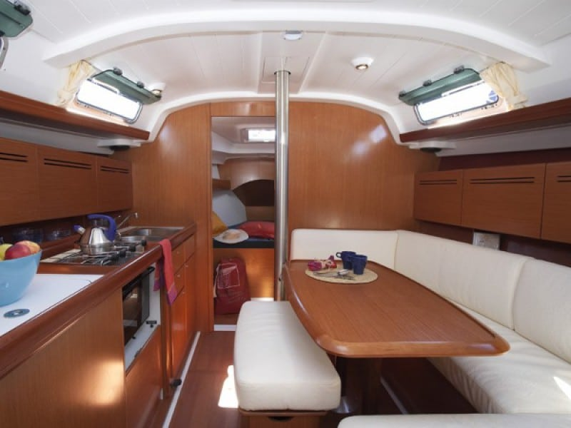 cyclades 39.3 Interior