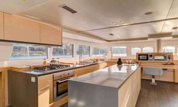 Lagoon 620 galley