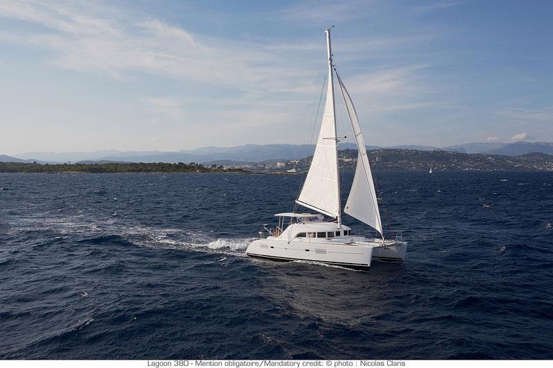 Lagoon 380 sailing
