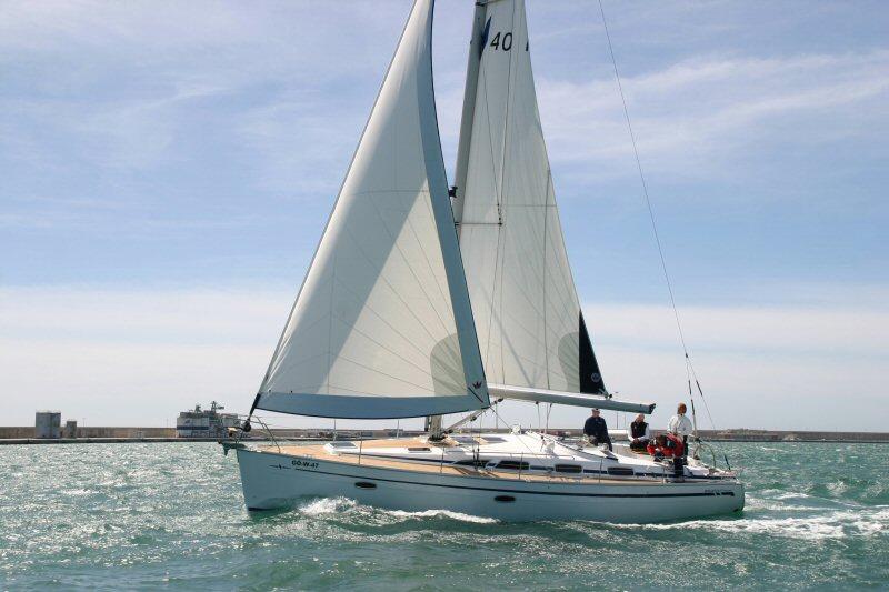 Bavaria 40 sailing