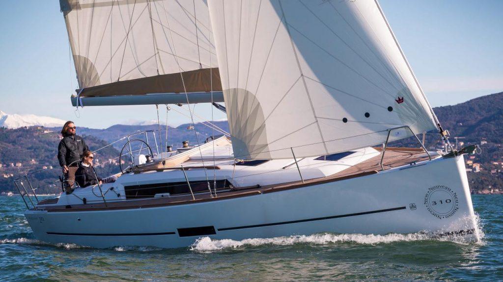 Dufour 310 GL Liberty sailing