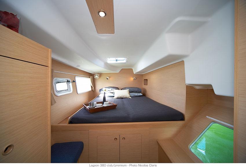 Lagoon 380 cabin