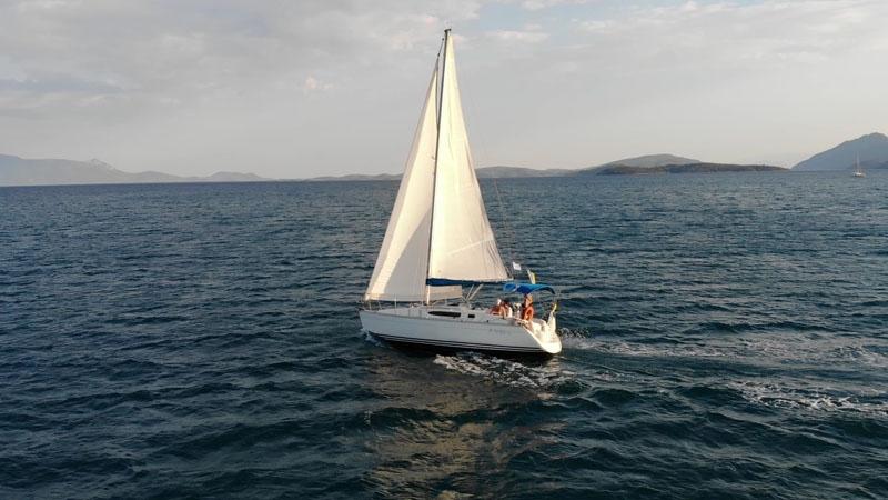 Sun Odyssey 32.2 Nikiana Beach Club