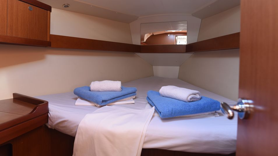 Beneteau Oceanis 37 Limited Edition 2013 cabin