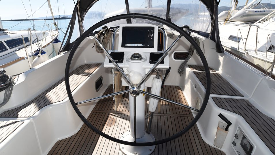 Beneteau Oceanis 37 Limited Edition 2013 cockpit