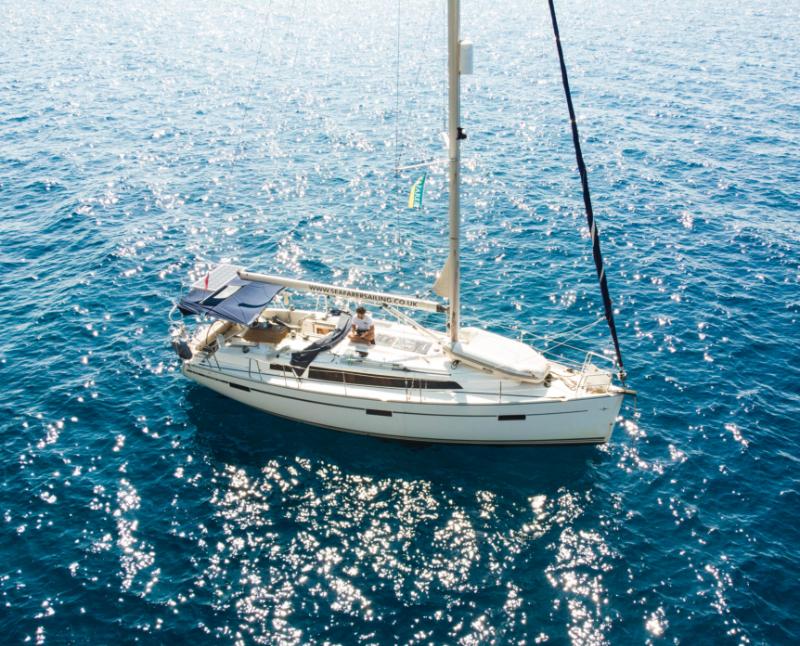 Bavaria 37 sailing