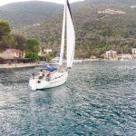 Bavaria 33 sailing