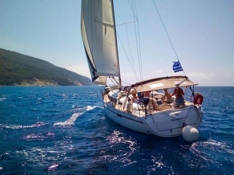 Bavaria 41 sailing