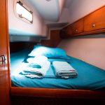 Bavaria 33 cabin