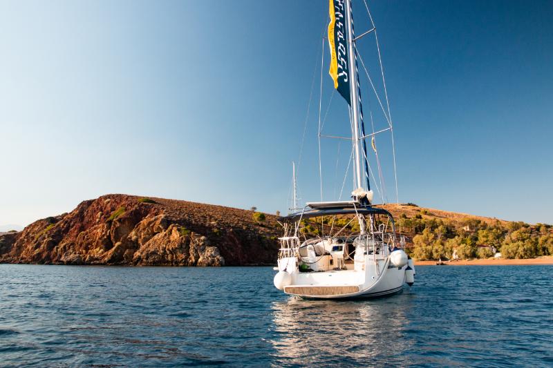 Bavaria 37 sailing 2