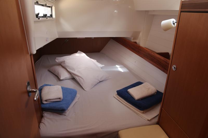 Bavaria 36 Cruiser Avantgarde Special Edition 2013 cabin